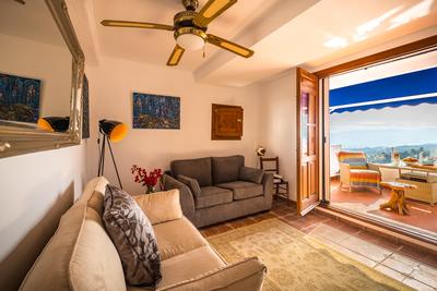 The Cabrera Suite lounge